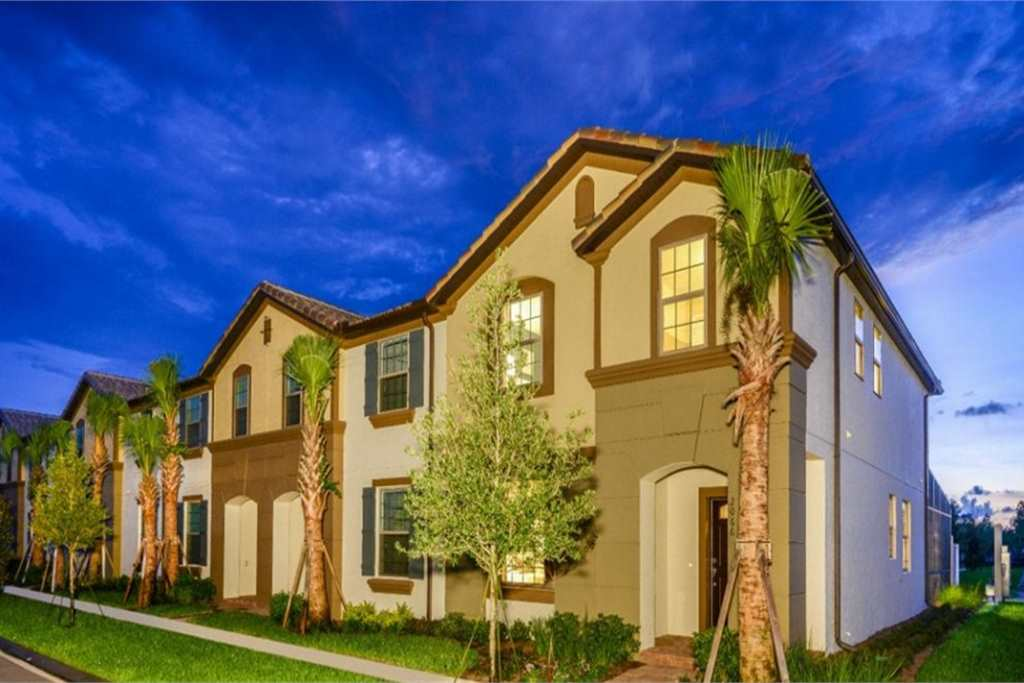 Nybyggda Townhomes i Windsor at Westside Resort, Kissimmee